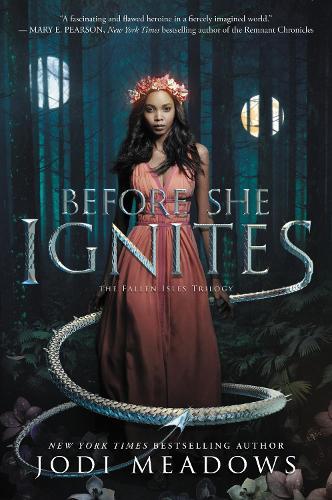 Before She Ignites - Fallen Isles 1 (Paperback)