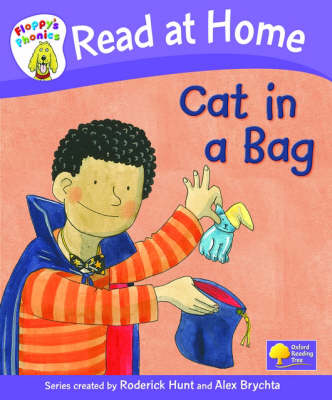 Read at Home: Floppy's Phonics: L1b: Cat in a Bag (Hardback)