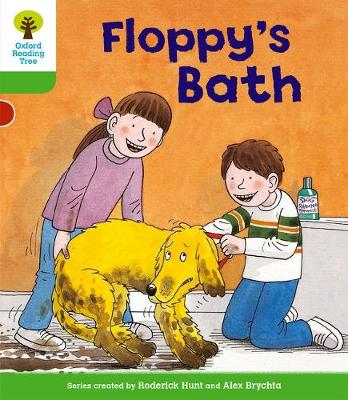 Oxford Reading Tree: Level 2: More Stories A: Floppy's Bath - Oxford Reading Tree (Paperback)