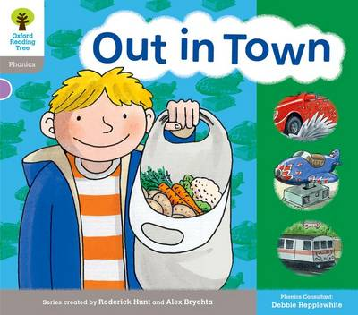 Oxford Reading Tree: Level 1: Floppy's Phonics: Sounds and Letters: Out in Town - Oxford Reading Tree (Paperback)