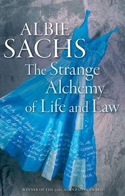 The Strange Alchemy of Life and Law (Paperback)