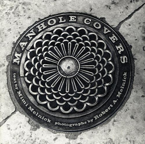 Manhole Covers - The MIT Press (Hardback)