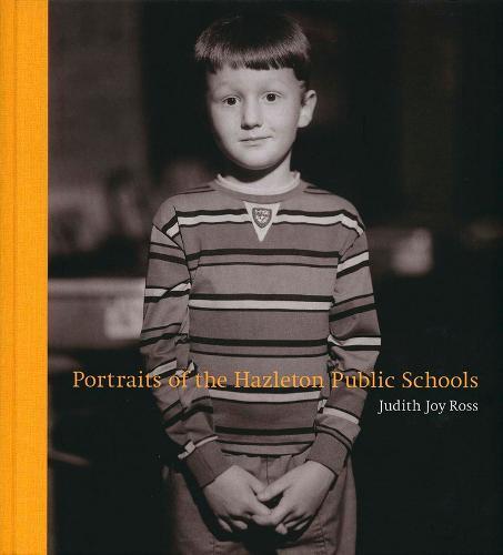 Portraits of the Hazleton Public Schools (Hardback)