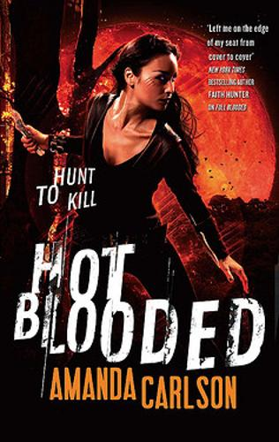 Hot Blooded: Book 2 in the Jessica McClain series - Jessica McCain 2 (Paperback)
