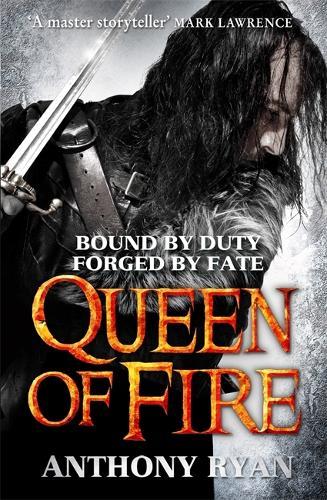 Queen of Fire: Book 3 of Raven's Shadow - Raven's Shadow (Hardback)