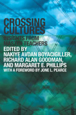 Crossing Cultures: Insights from Master Teachers (Paperback)