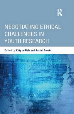Negotiating Ethical Challenges in Youth Research - Critical Youth Studies (Hardback)