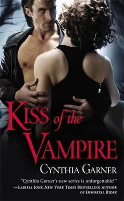 Kiss Of The Vampire: Number 1 in series - Warriors of the Rift (Paperback)