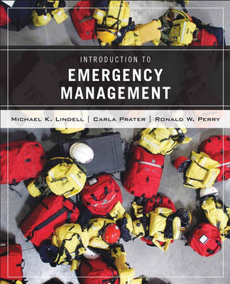 Wiley Pathways Introduction to Emergency Management (Paperback)