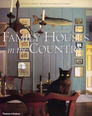 Family Houses in the Country (Hardback)