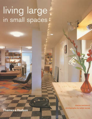 Living Large in Small Spaces (Paperback)