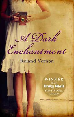 A Dark Enchantment (Paperback)