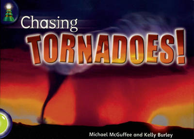 Lighthouse Lime Level: Chasing Tornadoes Single - LIGHTHOUSE (Paperback)