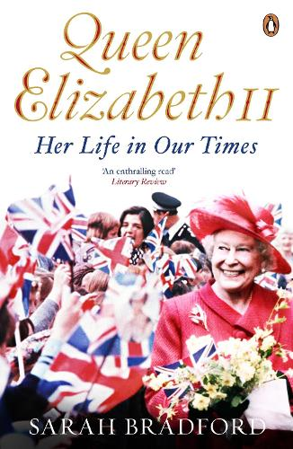 Queen Elizabeth II: Her Life in Our Times (Paperback)