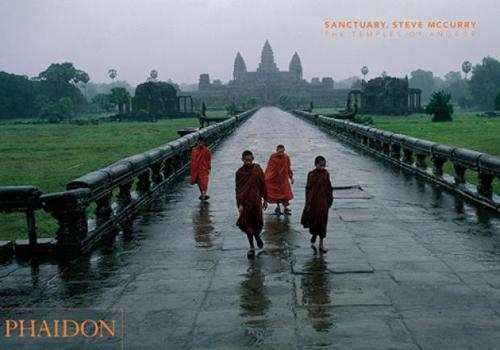 Sanctuary. Steve McCurry: The Temples of Angkor (Hardback)