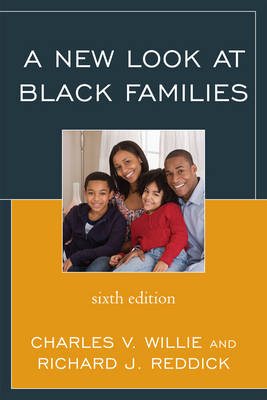A New Look at Black Families (Hardback)