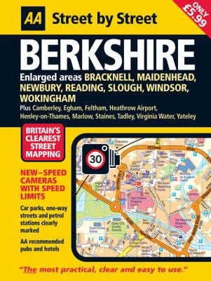 Berkshire: Midi - AA Street by Street (Paperback)