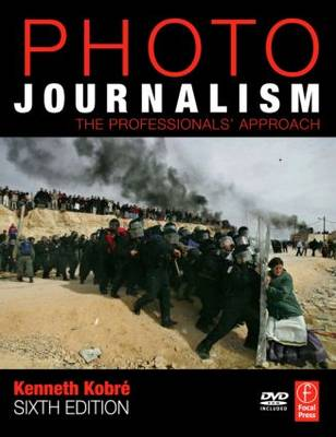 Photojournalism: The Professionals' Approach (Paperback)