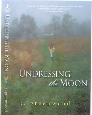Undressing the Moon (Paperback)