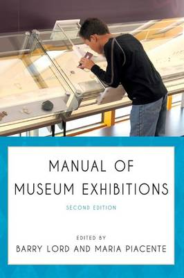 Manual of Museum Exhibitions (Hardback)