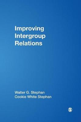 Improving Intergroup Relations (Paperback)