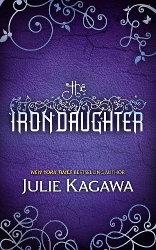The Iron Daughter - The Iron Fey 2 (Paperback)