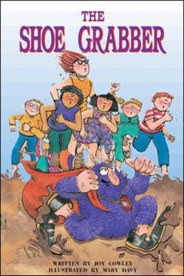 The Shoe Grabber (Level 16) - Storysteps (Paperback)