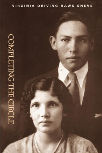 Completing the Circle - North American Indian Prose Award (Paperback)