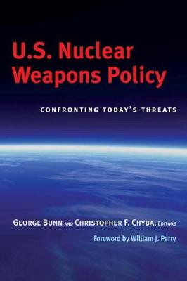 U.S. Nuclear Weapons Policy: Confronting Today's Threats (Paperback)