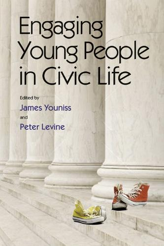 Engaging Young People in Civic Life (Paperback)