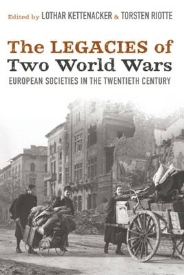 War and Society in Europe: Moods and Attitudes During the Age of Total War (Hardback)