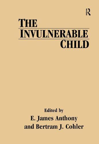 The Invulnerable Child (Hardback)