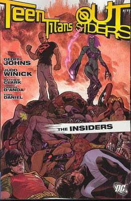 Teen Titans: Outsiders Insiders (Paperback)