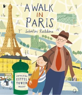 A Walk in Paris (Paperback)