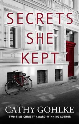 Secrets She Kept (Hardback)