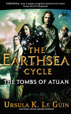 The Tombs of Atuan: Book Two (Earthsea Cycle) (Paperback)