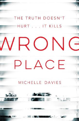 Wrong Place - DC Maggie Neville (Paperback)