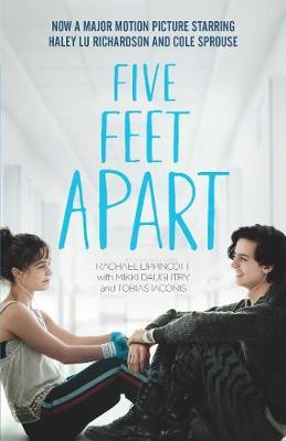 Five Feet Apart (Paperback)