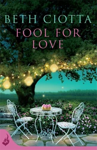 Fool For Love (Cupcake Lovers Book 1): A mouth-watering tale of romance and cake - Cupcake Lovers (Paperback)