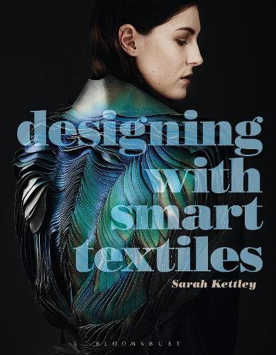 Designing with Smart Textiles - Required Reading Range (Paperback)