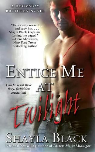 Entice Me at Twilight (Paperback)