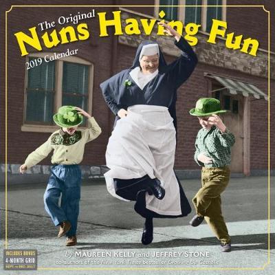 2019 Nuns Having Fun Wall Calendar (Calendar)
