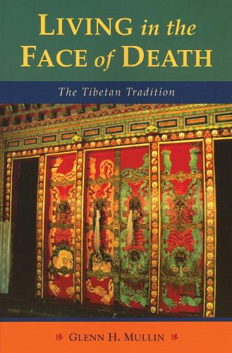 Living In The Face Of Death (Paperback)