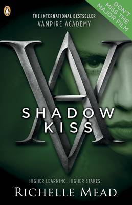 Shadow Kiss: A Vampire Academy Graphic Novel: Book 3 - Vampire Academy Graphic Novels (Paperback)
