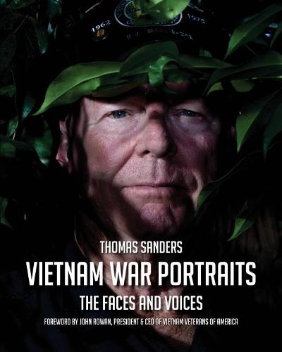 Vietnam War Portraits: The Faces and Voices (Hardback)