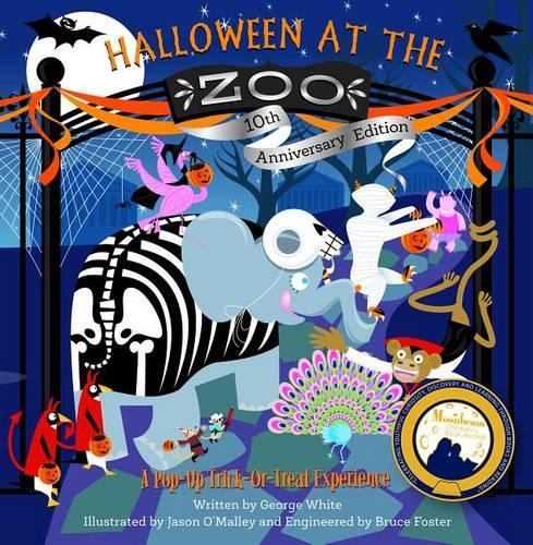 Halloween at the Zoo (Hardback)