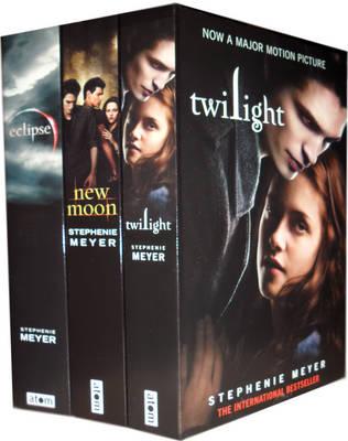 The Twilight Saga Collection: Twilight, New Moon, Eclipse (Paperback)