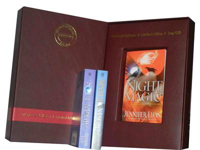 Jennifer Lyon Collection: Soul Magic, Night Magic: a Wing Slayer Novel& Sinful Magic (wing Slayer Novels) (Paperback)