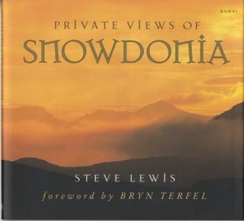 Private Views of Snowdonia (Hardback)
