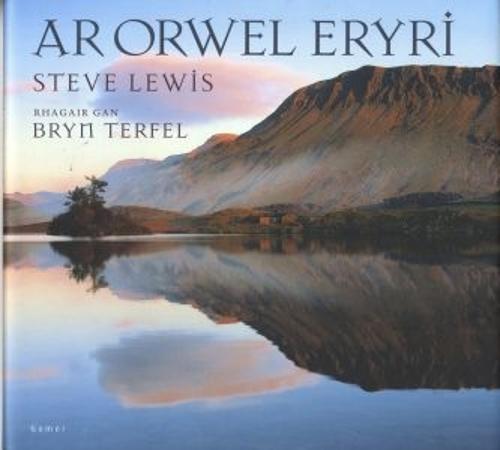 Ar Orwel Eryri (Hardback)
